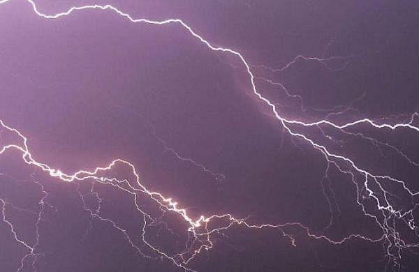 Gujarat: Heavy rains in Valsad; two killed in lightning strike in Mehsana
