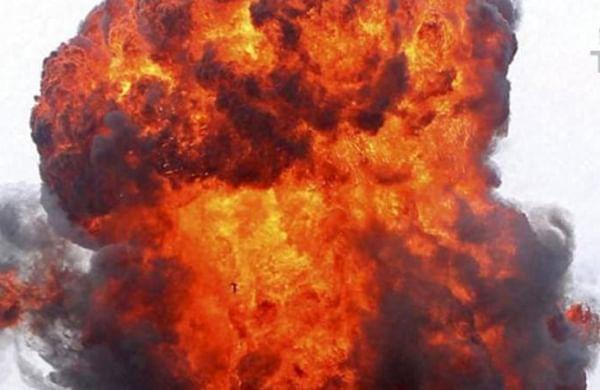 Kolkata building damaged in mysterious blast