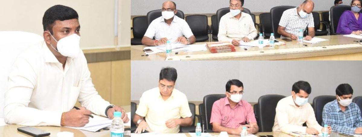 अधिक से अधिक लोगों तक पहुंचे शासन की योजनाओं की जानकारी: जनसम्पर्क आयुक्त डॉ. भारतीदासन, जनसंपर्क आयुक्त ने संचालनालय और जिला जनसंपर्क अधिकारियों की ली बैठक