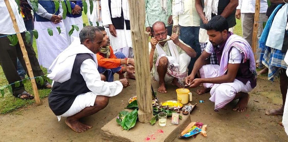 चिचाड़ी (फरसगांव) में समस्त ग्रामवासियों ने गायता जोहारनी मनाया