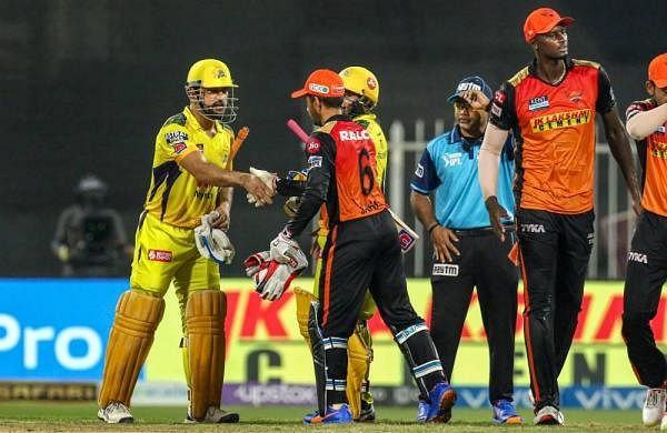 Another six from Dhoni, another CSK victory: 'Men-in-yellow' reaches IPL play-offs