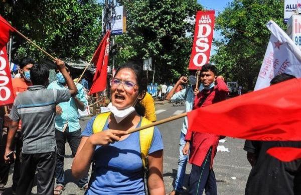Bharat Bandh: Left parties, Congress block roads, rail in West Bengal