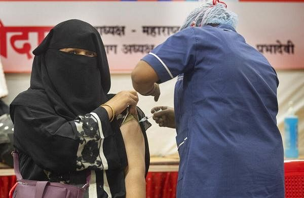 COVID-19: India adds 31,222 cases,290 deaths; active infections remain below four lakh mark