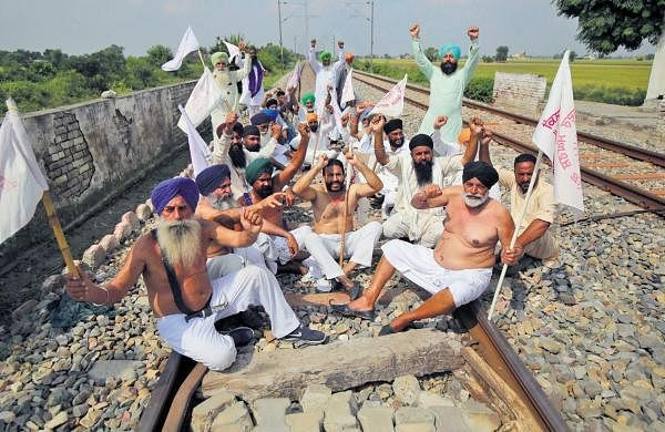 Farmers' protest: All political parties but BJP in Punjab support bandh