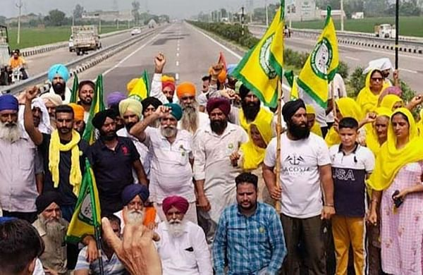 Karnal turns fortress a day before farmers' mahapanchayat;internet suspended, section 144 imposed