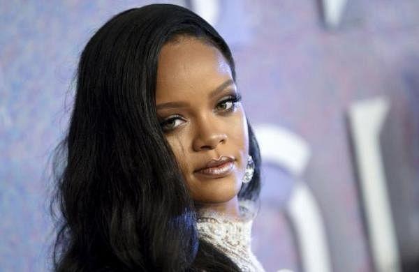 Rihanna drops lawsuit against fatherRonald Fentyfor misusing her name