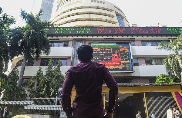 Sensex plunges over 500 points on global selloff; Nifty tests 17,600