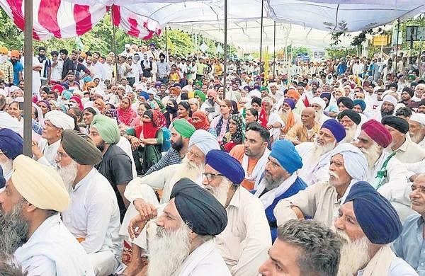 Stop drama, get farmers' issues resolved: AAP slams Navjot Sidhu over letter to PunjabCM