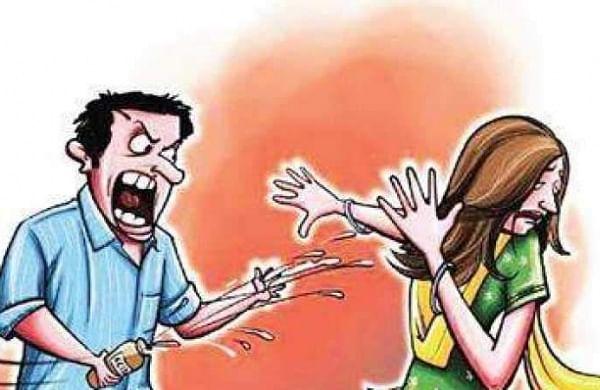 Suspecting extramarital affair, Uttar Pradesh man throws acid on wife