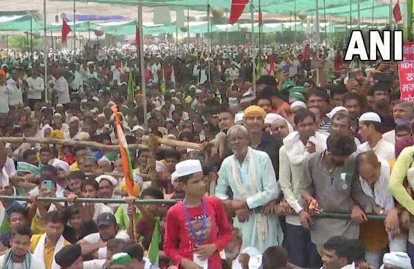 Thousands of farmers attend Kisan mahapanchayat' in Muzaffarnagar