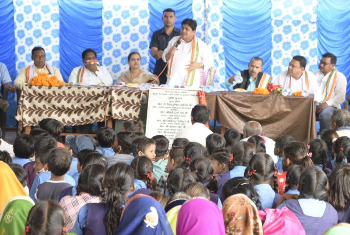 नगरीय प्रशासन मंत्री ने ग्राम अछोली, सेजा, कुलीपोटा तथा देवरतिल्दा में करोड़ों रुपये के विकास कार्यों का किया भूमिपूजन