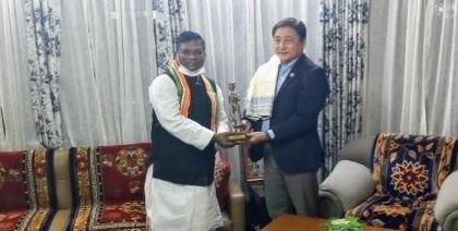 सिक्किम के संस्कृति मंत्री को राष्ट्रीय आदिवासी नृत्य महोत्सव में शामिल होने का आमंत्रण