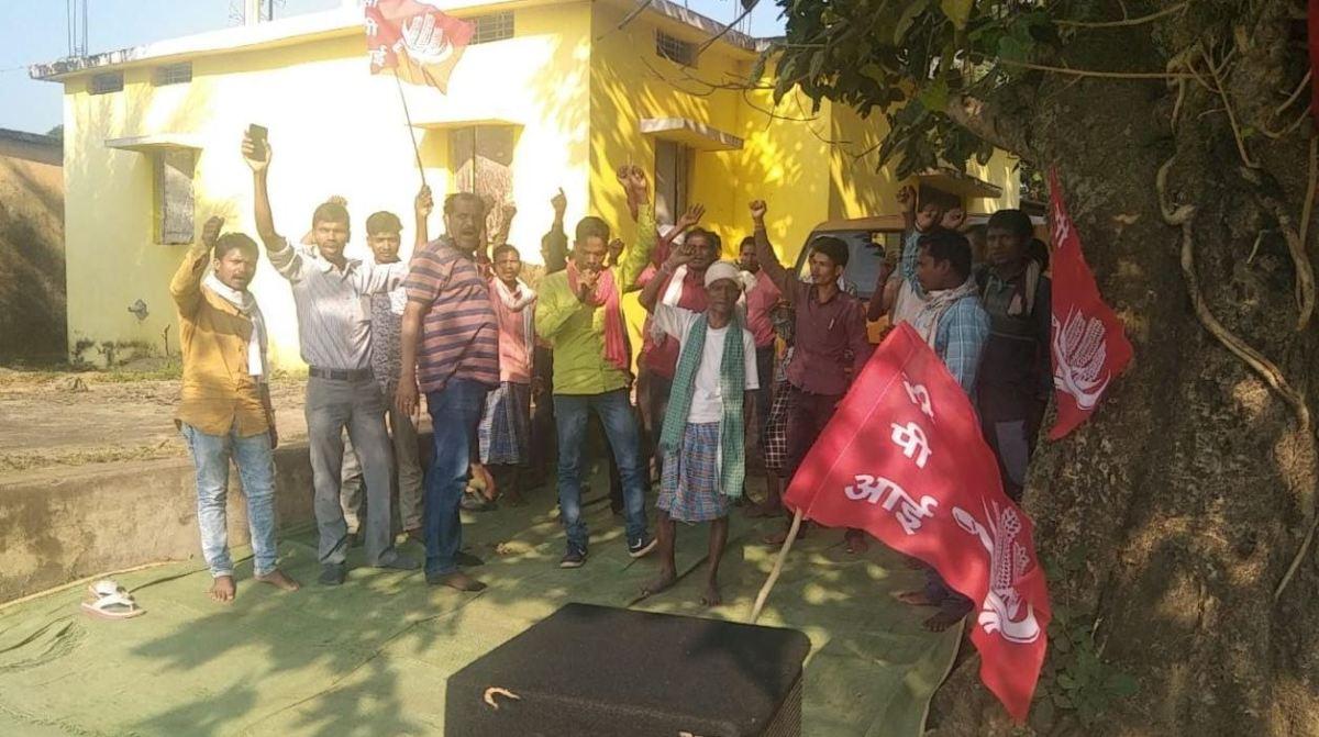 सीपीआई जिला परिषद् कोण्डागांव ने चिपावण्ड बाजार में चलाया जन जागरुकता अभियान