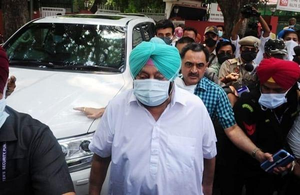 78 Congress MLAs demanded Amarinder Singh's removal, not Sonia Gandhi:Surjewala