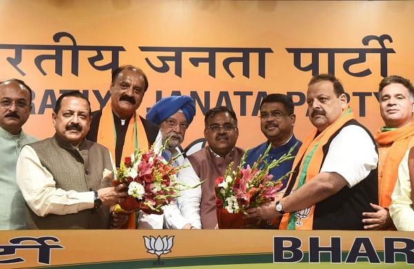 After resigning from National Conference, Devender Rana, Surjit Singh Slathia join BJP