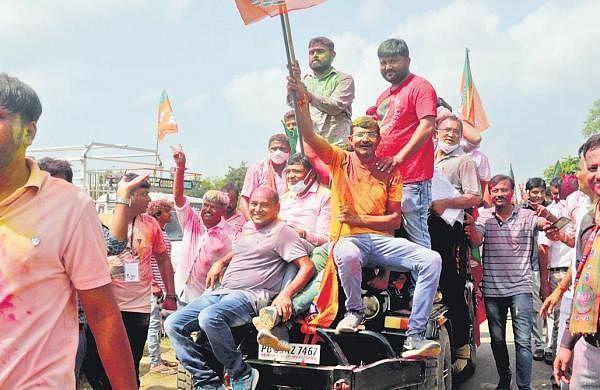 BJP sweeps Gandhinagar, 2 other civic bodies