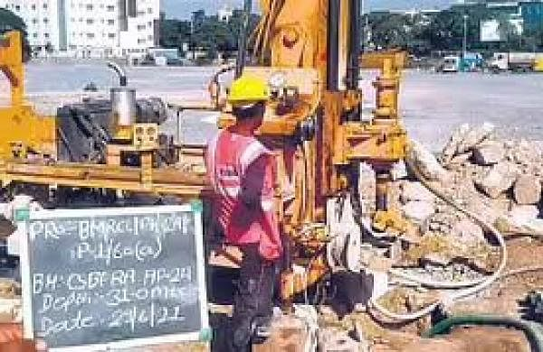 Bengaluru Metro construction: DULT permits company buses to ply on bus lane on outer ring road
