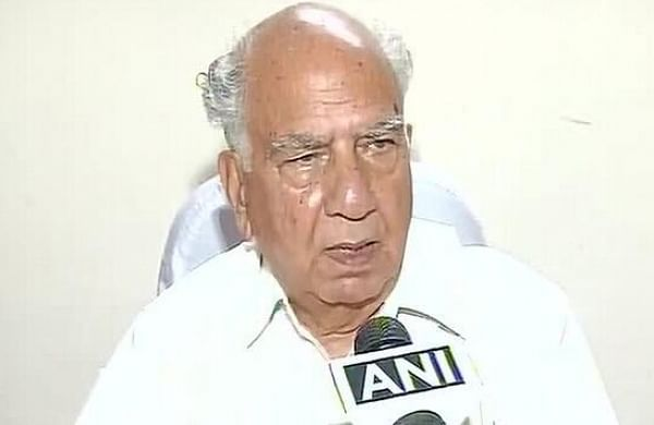 Congress must come out of Gandhi family shadow to be relevant: former Himachal CM Shanta Kumar
