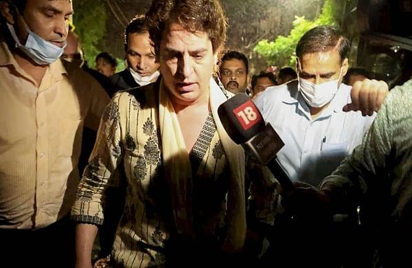 'Descent intobanana republic has begun':Mehbooba Mufti demands Priyanka Gandhi'srelease from detention