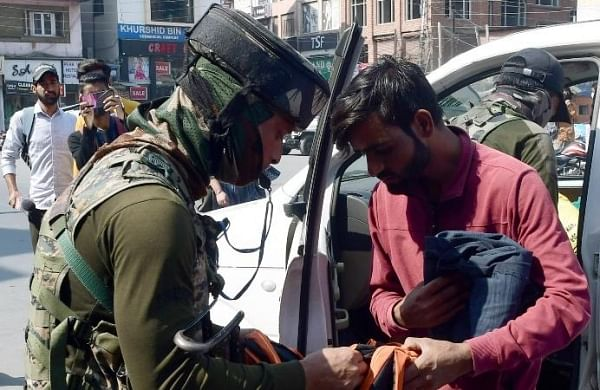 Kashmir civiliankillings: Police busts militant module involved in sumo driver's death; four OGWs held