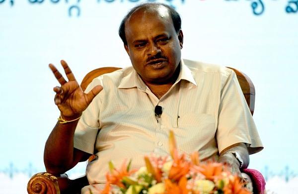 Kumaraswamy praises Mamata for 'historic' victory in Bhabanipur by-poll