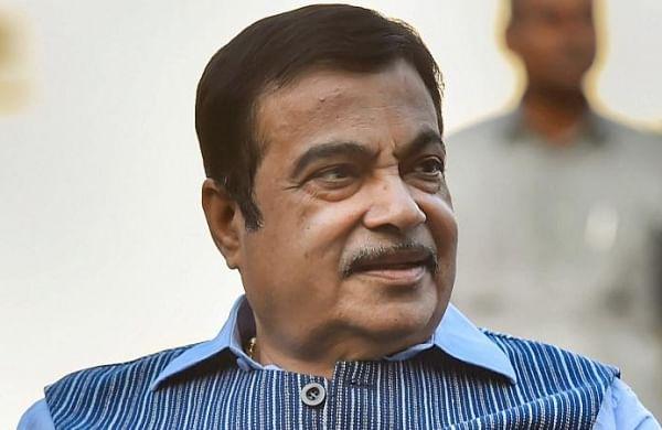 Nitin Gadkari hits out at sugar barons of Maharashtra;asks farmers to change crop pattern