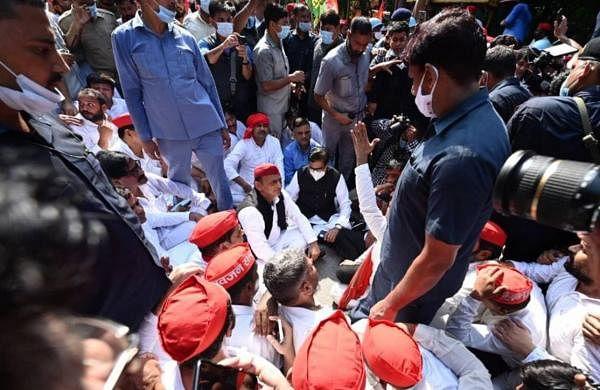 Politicians continue to make a beeline for Lakhimpur Kheri