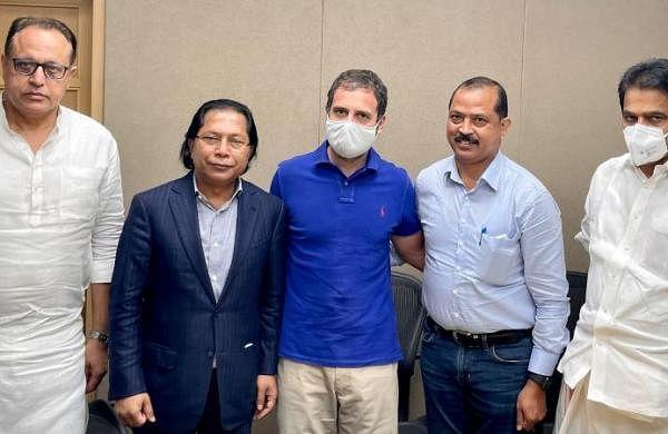 Rahul Gandhi meets Mukul Sangma, Vincent Pala to end 'rift' in Meghalaya Congress