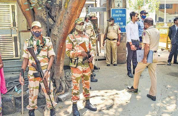 Rohini court shootout: Delhi Police's Crime Branch gets gangster Naveen Balli in its custody