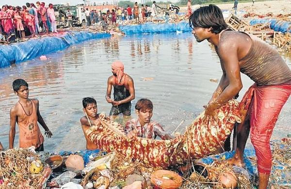Rs 50,000fine for unauthorised idols immersion in river Ganga