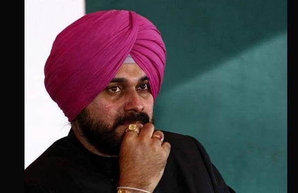 Sidhu meets party leaders at AICC HQs, says he has full faith in Sonia Gandhi's leadership
